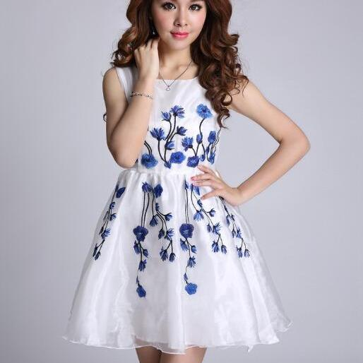 2015 New Womens Fashion Europe Embroidered Organza Sleeveless Princess Dress